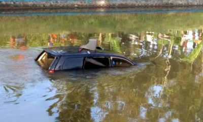 KARAM : Kondisi mobil Avanza yang ditumpangi enam penumpang berenang ke sungai Bondoyudo