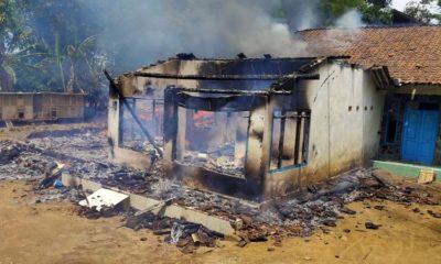 Kondisi 3 rumah di Desa Patempuran yang dibakar (ist)