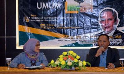 Pakar Lingkungan Sekolah Ilmu Lingkungan, Universitas Indonesia (UI), Dr Ir Mahawan Karuniasa hadir dan memberikan kuliah umum di Kampus Tegalboto, Universitas Jember (Unej). (ist)