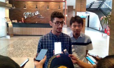 Putra sulung dr Hj Faida dan Rully Efendi saat ditemui wartawan di Hotel Meotel. (gik)