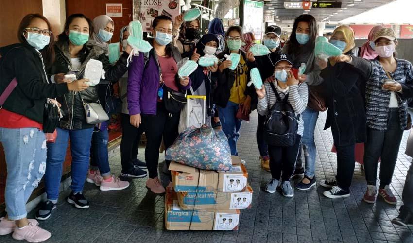 Warga Jember di Hongkong menerima kiriman masker dari Pemerintah Kabupaten. (ist)