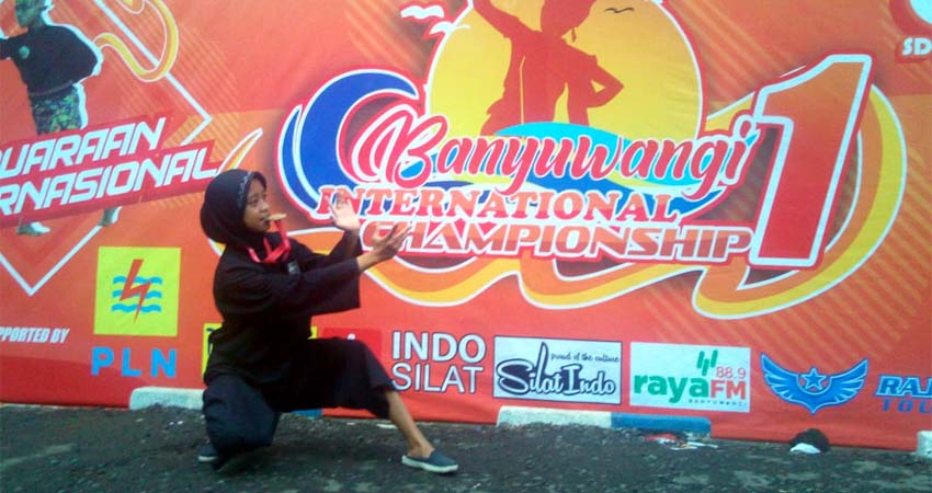 Sang juara Kafi Shinta Rohman siswi kelas 6 SDN Jenggawah 1 saat setelah usai menyabet Juara. (ist)