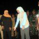 Gubernur Jatim Khofifah Indar Parawangsa didampingi Bupati Jember dr Hj Faida MMR dan Komandan Kodim 0824/Jember Letkol Inf La Ode M Nurdin saat meninjau lokasi bencana. (tog)