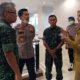 Bupati Jember dr Hj Faida MMr, bersama Damdim 0824, Kapolres Jember dan Anggota DPRD Komisi D mengecek kesiapan Tempat Karantina. (Kj1)
