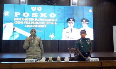 Bupati Jember dr Faida dan Komandan Kodim 0824 Jember saat teleconference di pendopo wahyawibawagraha. (ist)