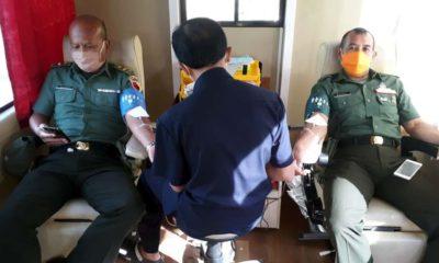 Anggota Kodim 0824 ketika donor darah (ist)