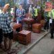 Petugas gabungan keamanan TNI, Polri dan Sat Pol PP melakukan pembubaran di Kafe dan warung kopi se-Kecamatan Sumberjambe. (tog)