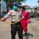 Relawan PMI Jember melakukan penyemprotan di sejumlah tempat di Puger. (Ist)