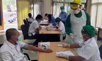 Tes Kesehatan Karyawan PTPN X Kertosari. (Eva for memontum.com)