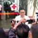 Ketua PMI Kabupaten Jember H.AE Zaenal Marzuki SH MH saat diwawancarai media. (yud)