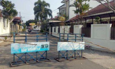Diduga Terpapar Covid-19, Warga Tutup Akses Menuju Rumah Seorang Camat