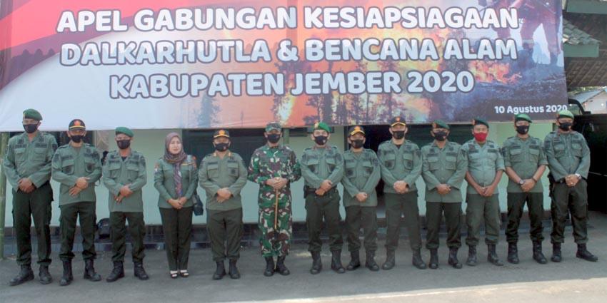 Apel Gabungan kesiapsiagaan Dalkarhutla dan bencana Alam tahun 2020 di Kabupaten Jember di Mako Kodim 0824 Jember, Senin pagi (10/8/2020)