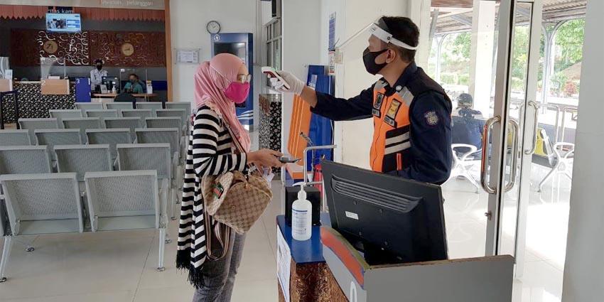 Calon penumpang tidak perlu menyiapkan dokumen rapid test sebagai syarat untuk bisa naik kereta