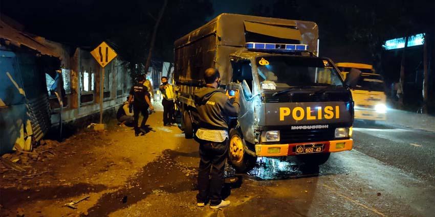 Mobil polisi yang mengalami Laka beruntun di depan PT Boss Image Nusantara Desa Jubung, Kecamatan Sukorambi, Kamis (6/8/2020) dini hari