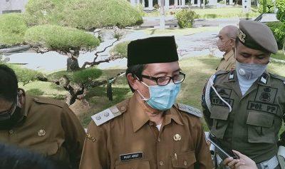 Plt. Bupati Jember Drs Kh A. Muqit Arief.
