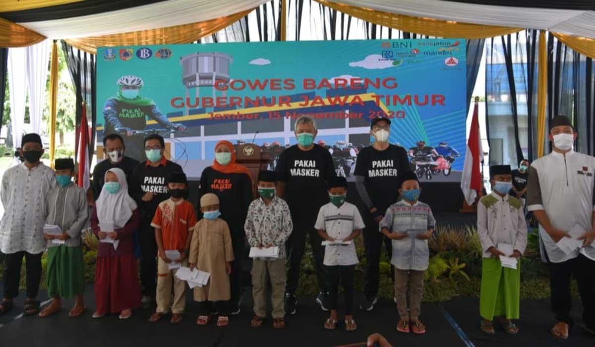 Gubernur Jatim Sambangi Jember - Gowes bersama Plt Bupati, dorong pemulihan ekonomi